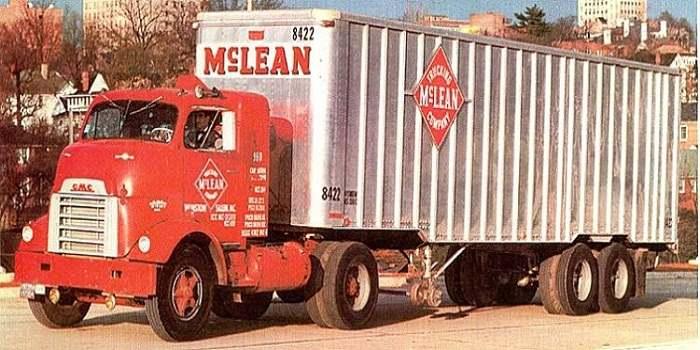 thùng container được mang tên Malcom Purcell Mclean